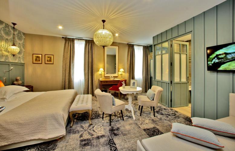 Hôtel Les Glycines & SPA-7