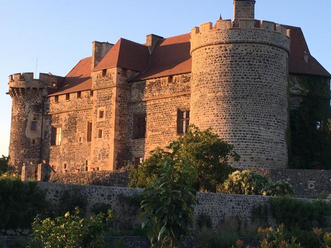 Château Royal de Saint-Saturnin-1