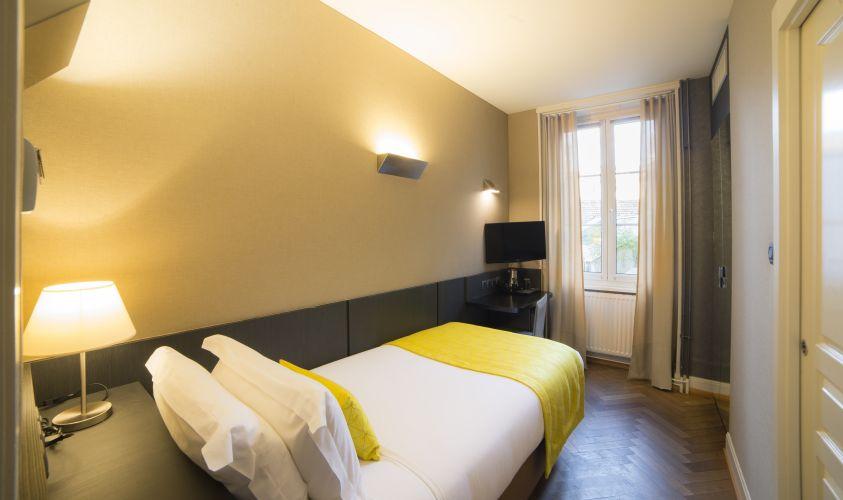 Hannong Hotel & Wine Bar-17