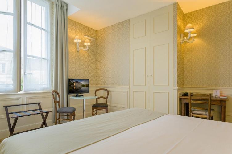 Hôtel Le Grand Monarque-11