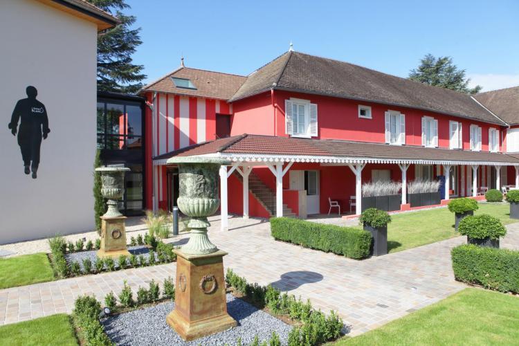 Les Maritonnes Parc & Vignoble - Restaurant Rouge & Blanc-1