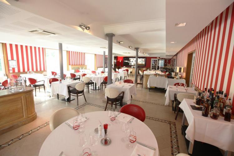 Les Maritonnes Parc & Vignoble - Restaurant Rouge & Blanc-7