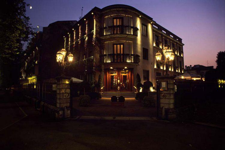 Hotel de la Ville-2
