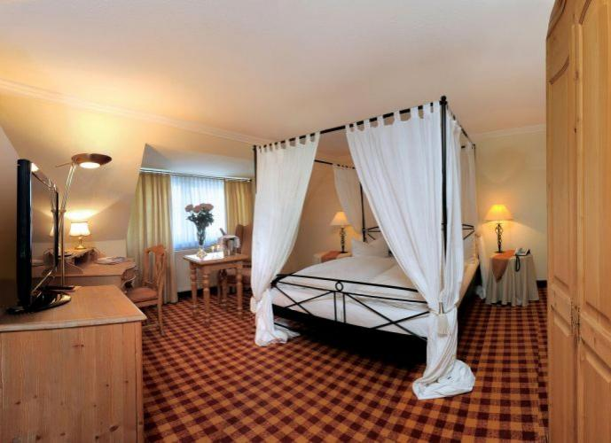 Romantik Hotel Schwanefeld-4