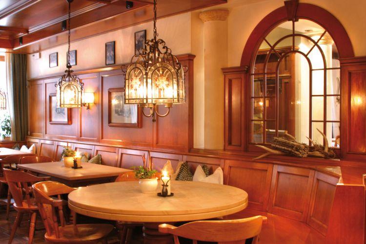 Romantik Hotel Hirschen-8