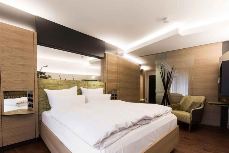 Romantik Hotel Landschloss Fasanerie-2