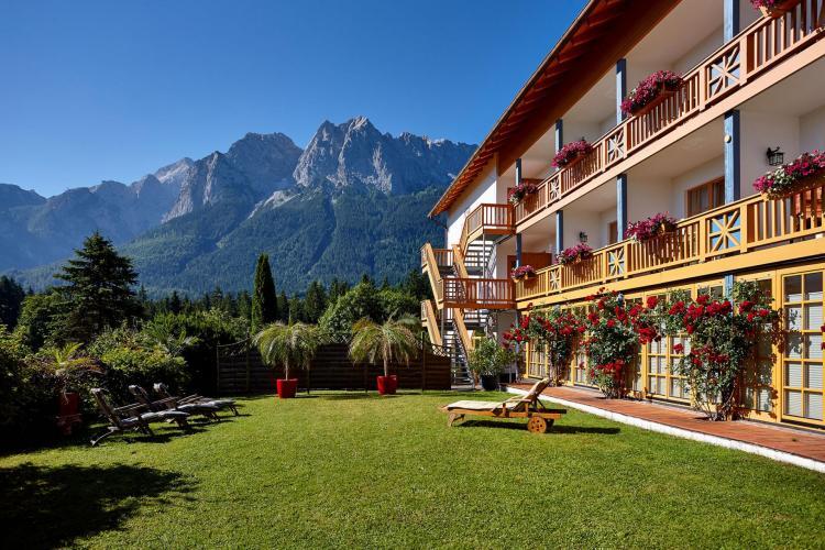 Romantik Alpenhotel Waxenstein-1