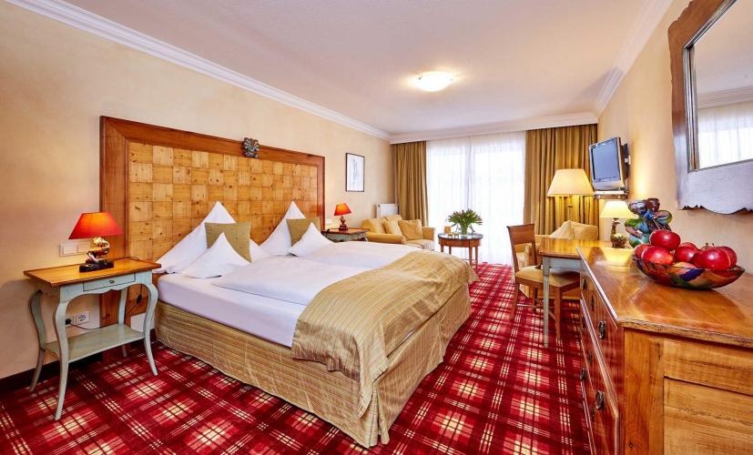 Romantik Alpenhotel Waxenstein-5