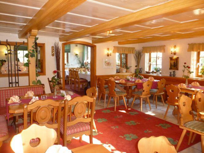 Romantik Hotel Zum Lindengarten-4