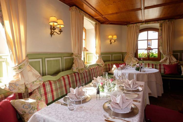 Romantik Hotel I Restaurant Hirsch-7