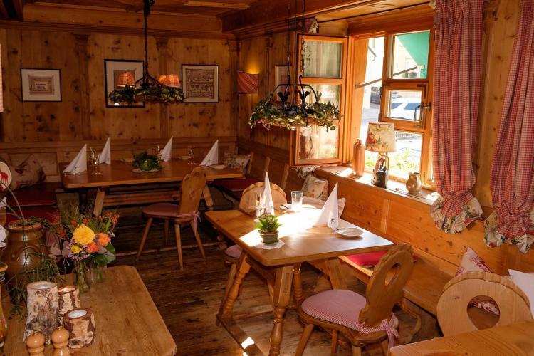Romantik Hotel I Restaurant Hirsch-11