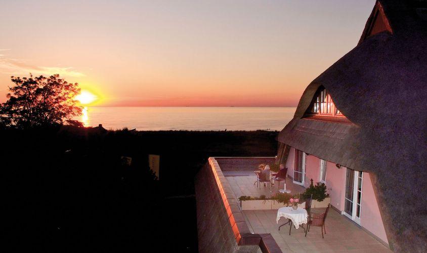 Romantik Hotel Namenlos & Fischerwiege-3