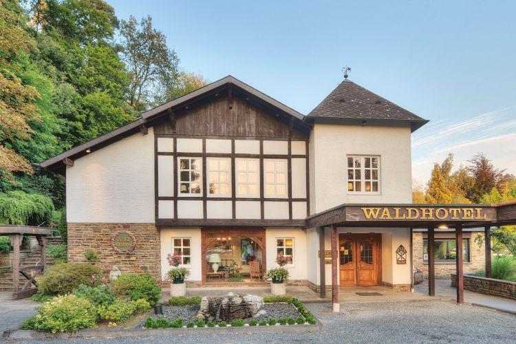 Romantik Waldhotel Mangold-1
