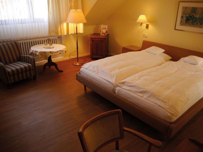Romantik Waldhotel Mangold-4