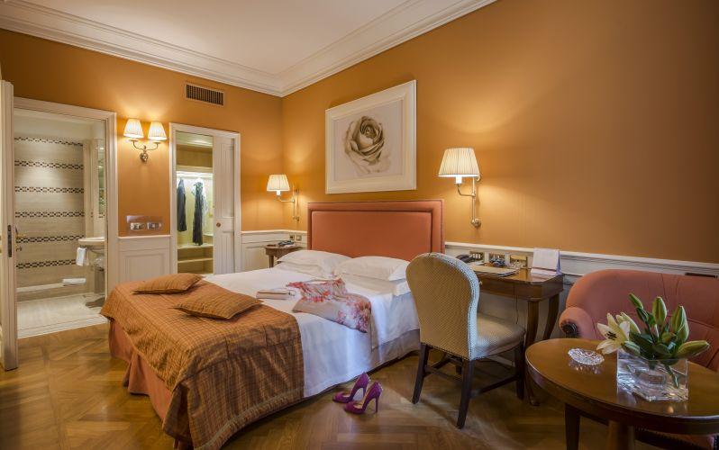 Hotel Corona D'oro-3