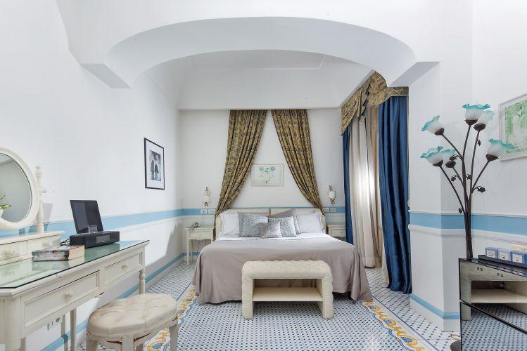 Luxury Villa Excelsior Parco-2