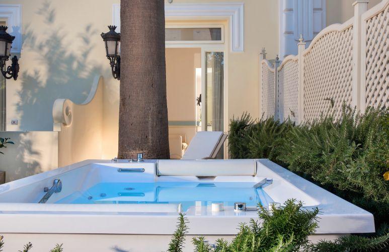 Luxury Villa Excelsior Parco-3