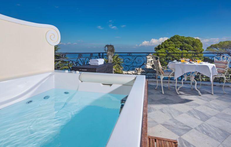 Luxury Villa Excelsior Parco-7