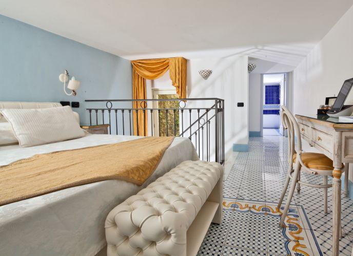 Luxury Villa Excelsior Parco-8