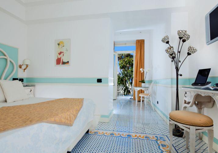 Luxury Villa Excelsior Parco-9