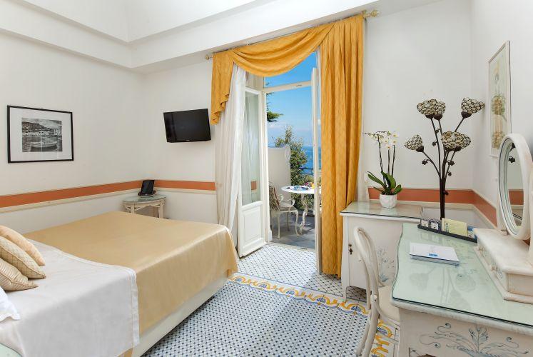 Luxury Villa Excelsior Parco-10