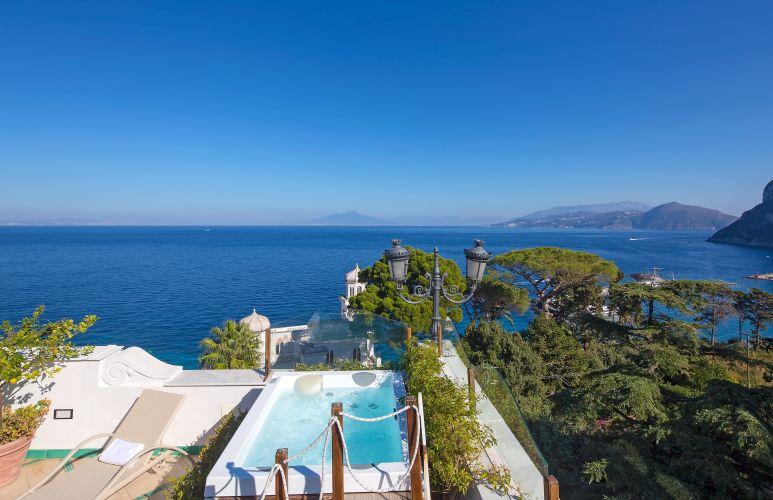 Luxury Villa Excelsior Parco-11