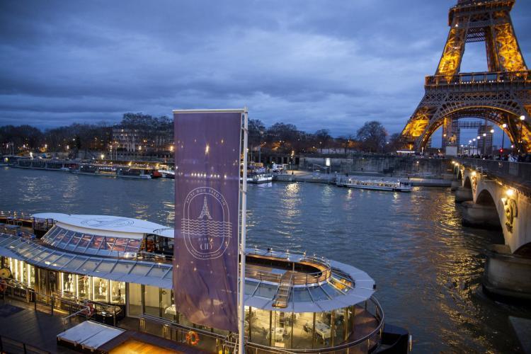 Ducasse sur Seine-1