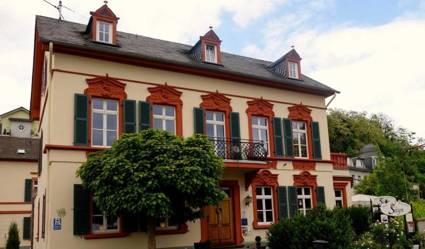Romantik Hotel Villa Sayn-1