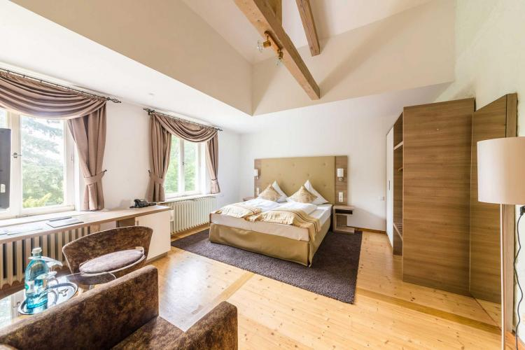Romantik Hotel Schloss Hohenstein-4