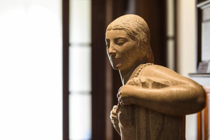 Détail décoration statut femme