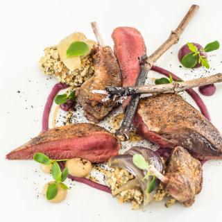Plat de viande rouge et champignon