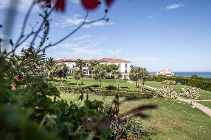 Hôtel en pleine nature verdoyante en Aquitaine