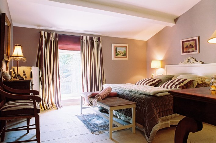 Chambre romantique au Domaine de Mejeans, Provence-Alpes-Côte d'Azur