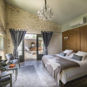 Envie d'une déco de chambre romantique comme à l'hôtel ?