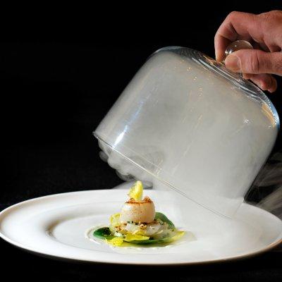 Plat de St Jacques fumée minute en salade d'endives au gorgonzola, proposé au restaurant Jean-Luc Tartarin en Normandie au Havre