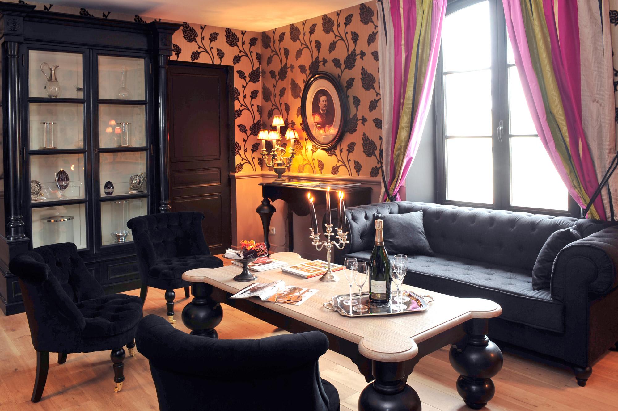 Salon cosy, ambiance détente dans la maison d'hôtes au coeur des vignes au Clos des Terres Soudées près de Reims