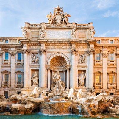 Gros plan sur la fontaine de Trevi monument architectural d'exception située à Rome en Italie