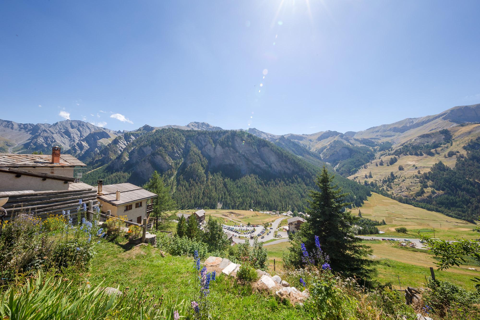 Les Alpes par temps ensoleillé vues depuis l'Hôtel & Spa l'Alta Peyra