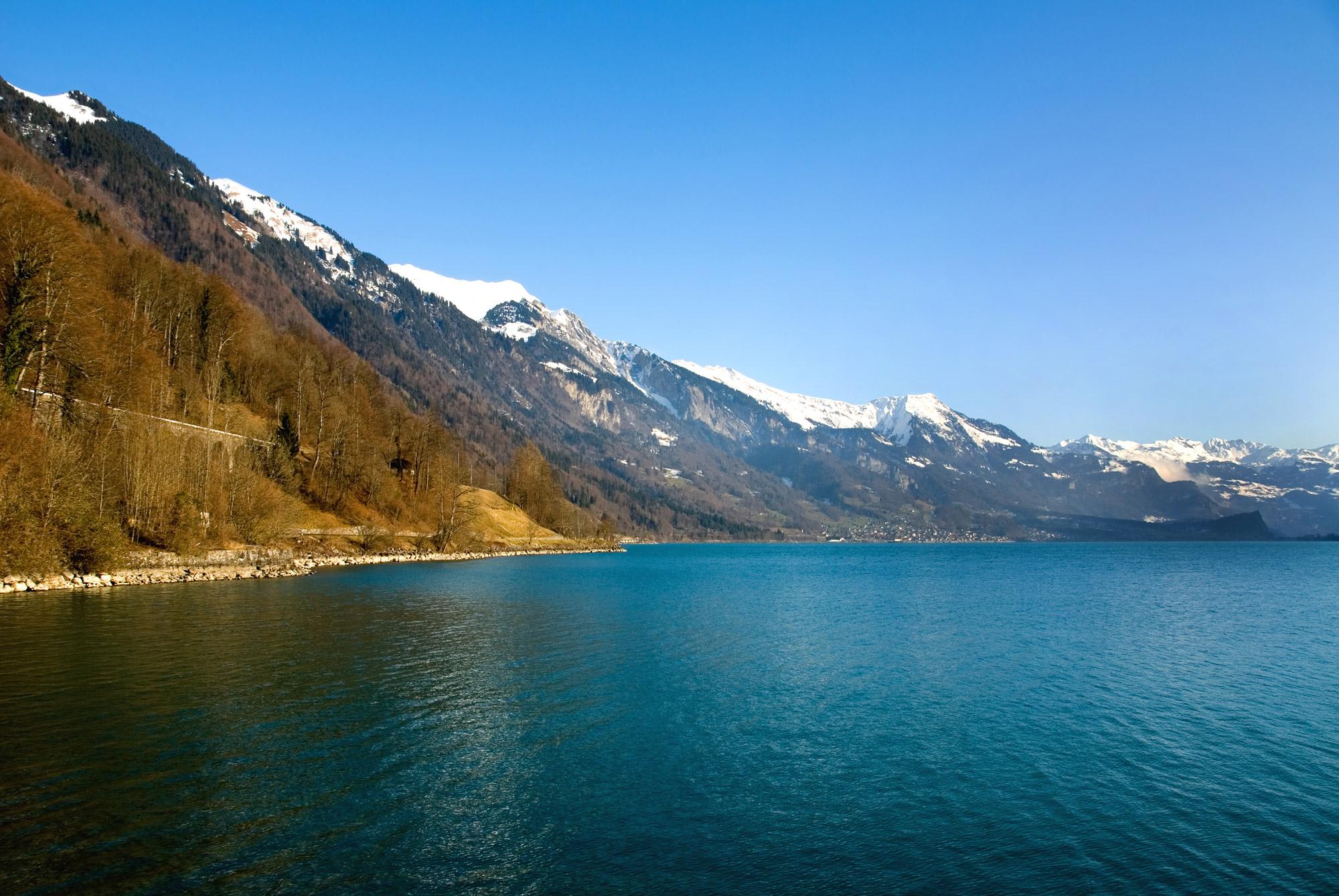 Paysage de montagne avec Lac Léman en contrebas
