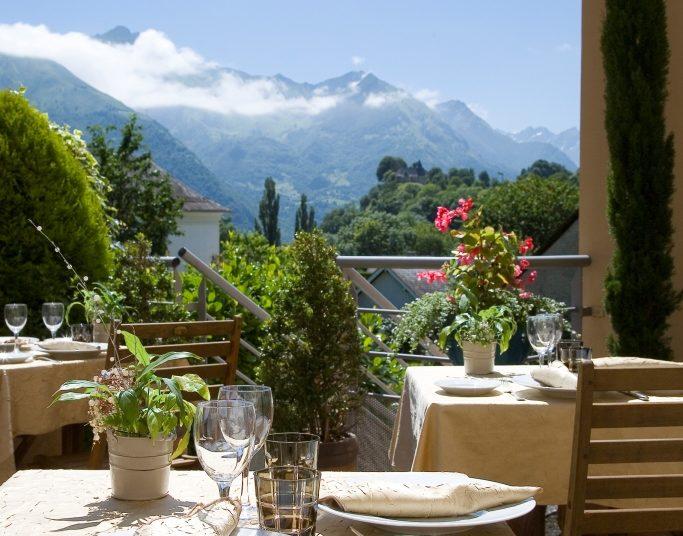 Vue sur la montagne depuis la terrasse du restaurant le Viscos