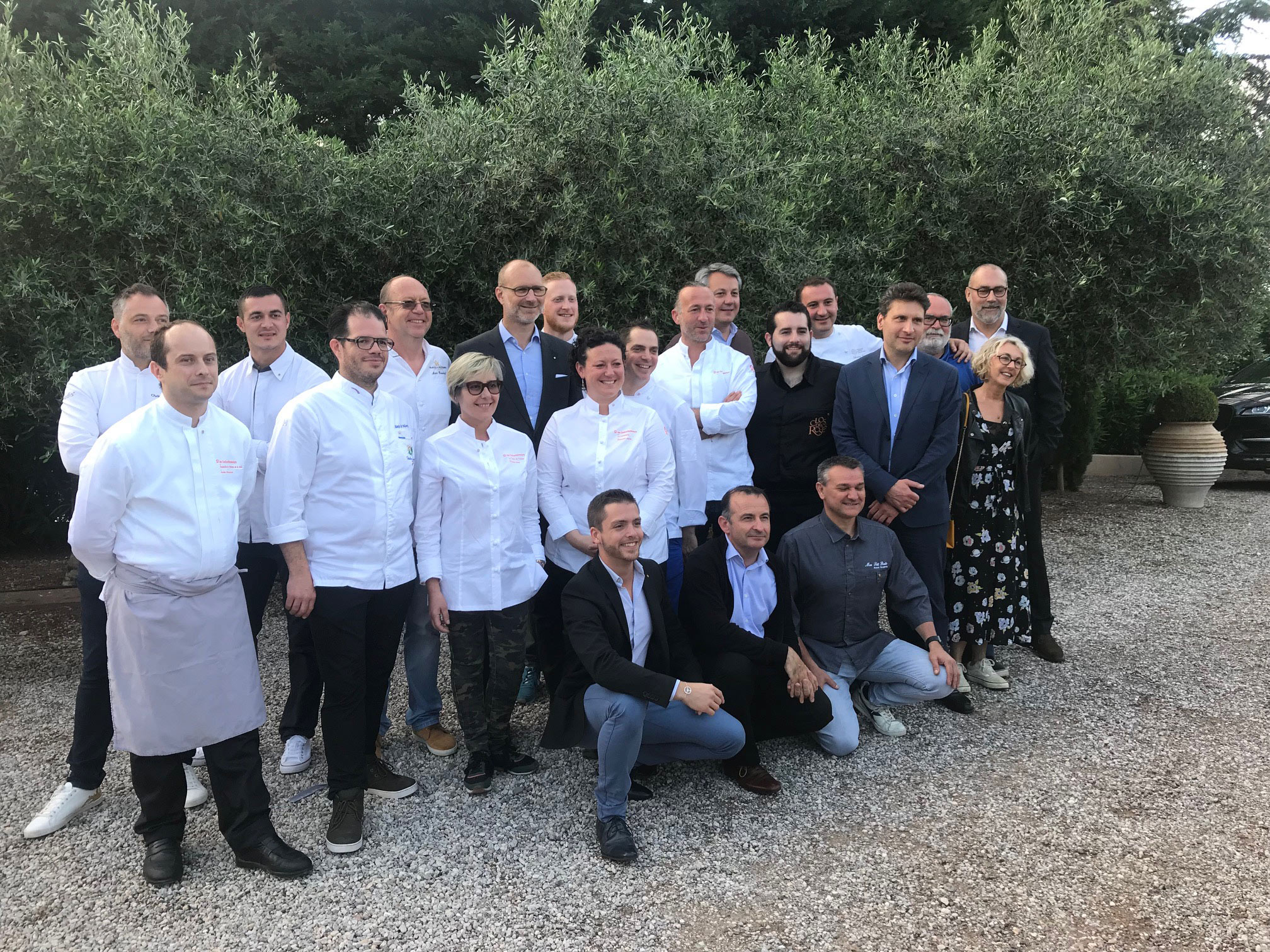 photo de groupe de chefs