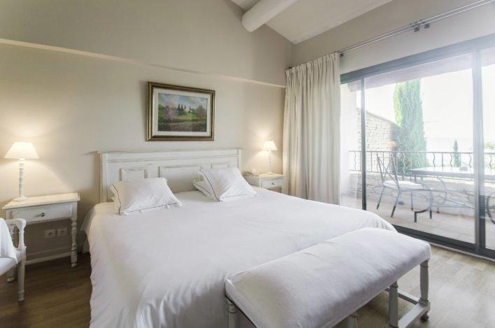 chambre romantique avec lit double