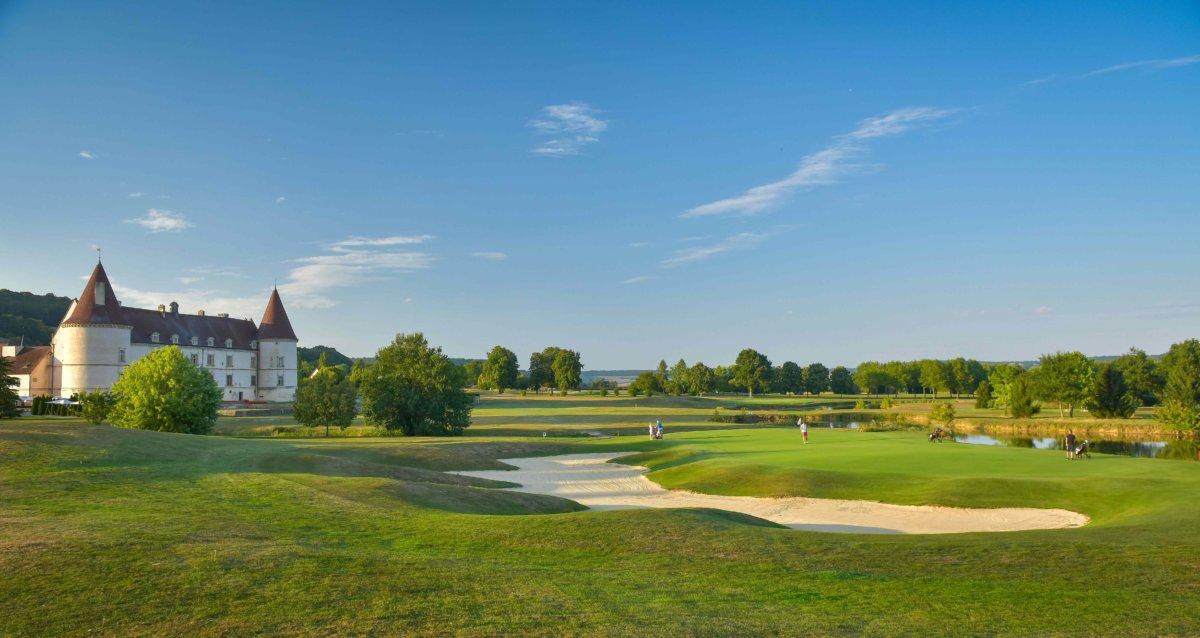 Grand terrain de golf