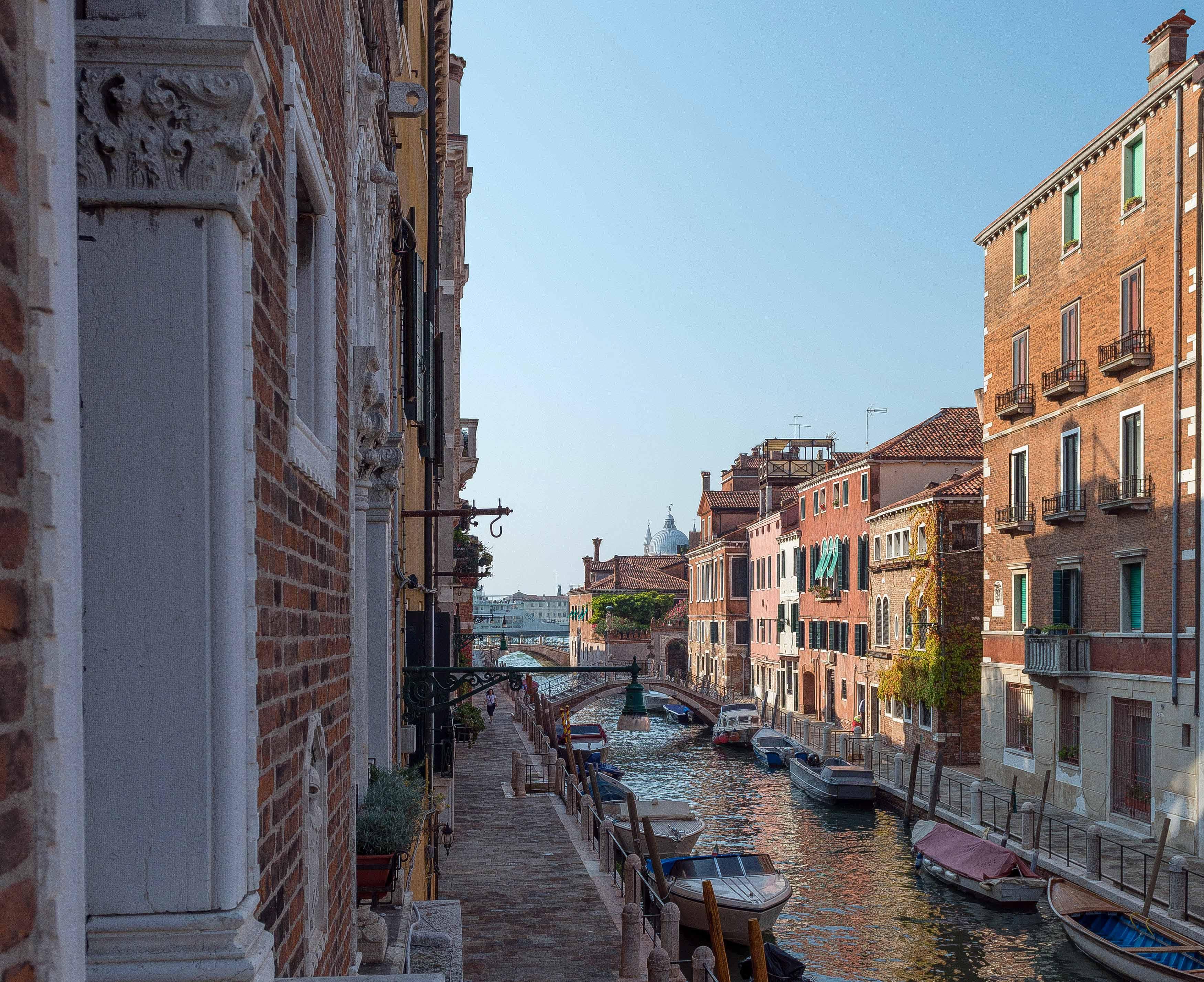Vue sur un canal de Venise