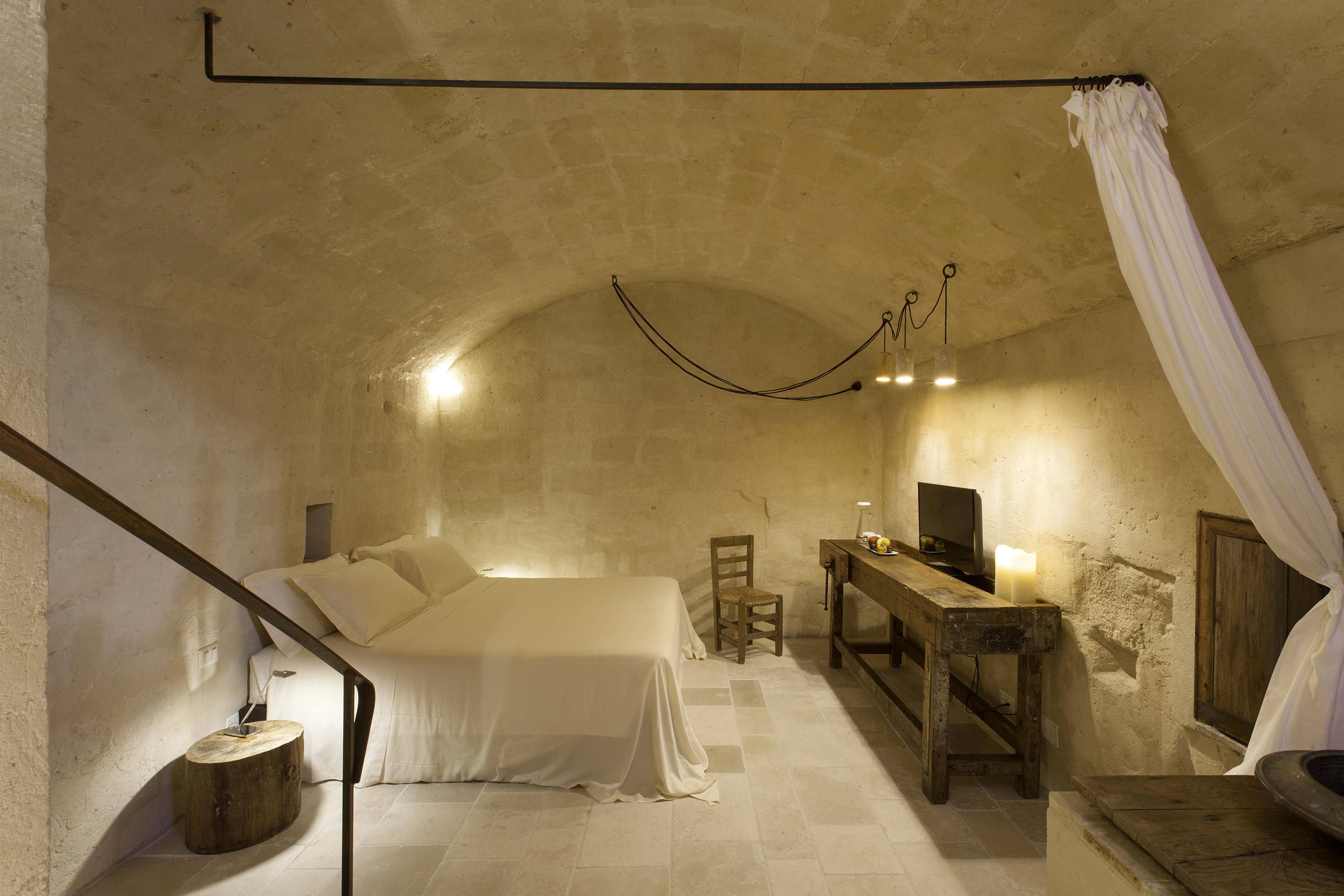 chambre sous voûte lit double