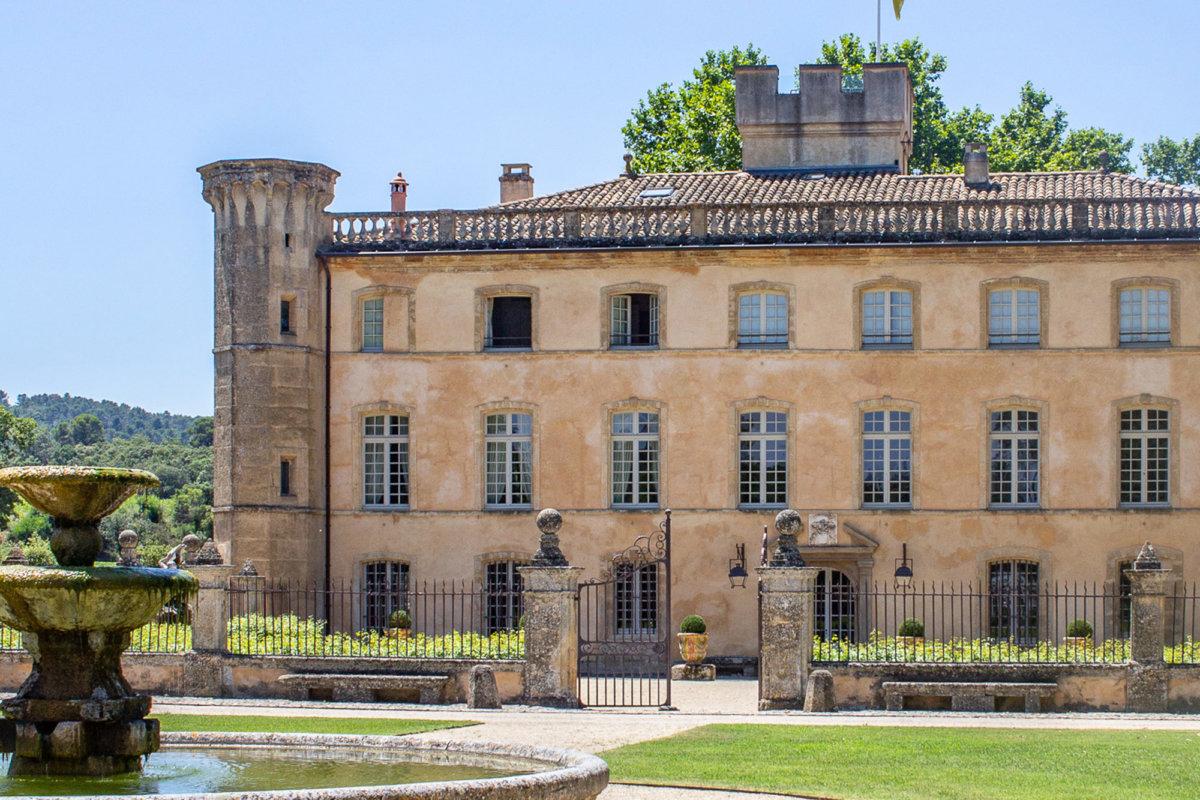 Façade d'une villa typique de provence