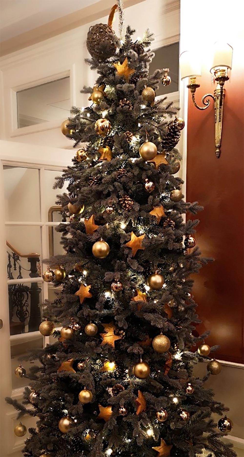 Château de Noël décoration blanche et orange