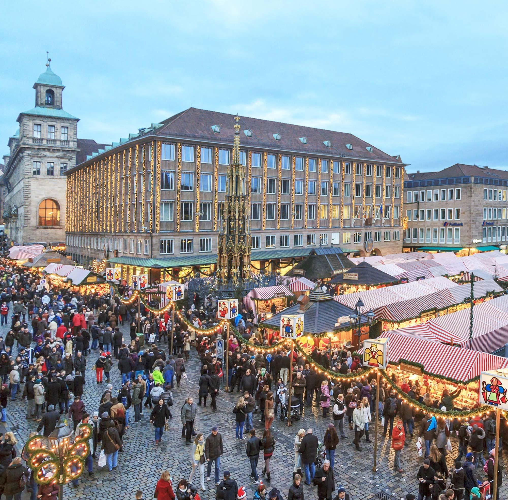 Vue sur le marché de Noël de Nuremberg