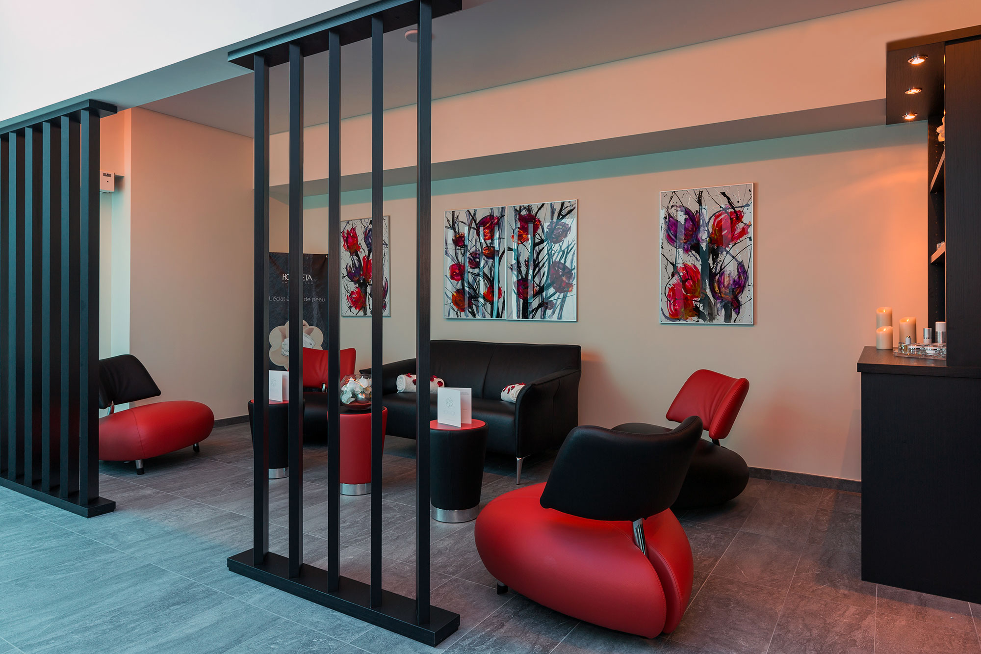 Salon tisanerie rouge et noir