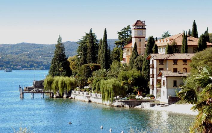 Hotel en bord de lac